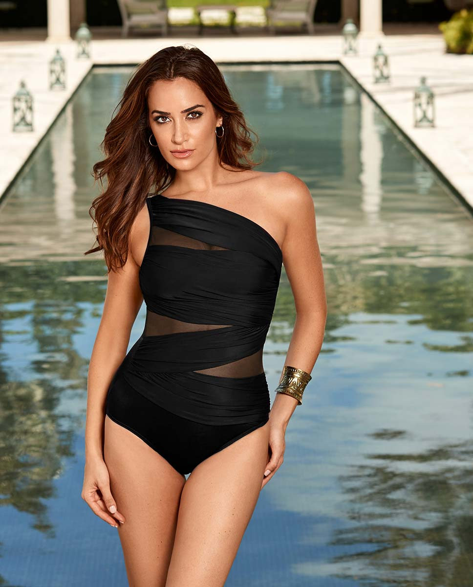 52427a57e3b Slimming Swimsuits and Plus Size Swimwear